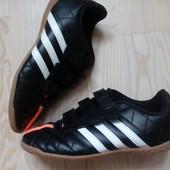 Кросівки Adidas 35 розмір, устілка 22 см.