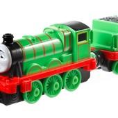 """Fisher Price Паровозик Генри с вагоном из серии """"Томас и его друзья"""""""