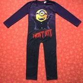 Продаю! 6-7 лет Карнавальный костюм Миньён-вампир, б/у. Хорошее состояние, без пятен. Длина 99 см, ш