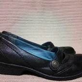 Очень красивые основательные черные кожаные туфли Hush Puppies США 5 р