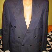 Элегантный двубортный мужской пиджак,р.46-48.