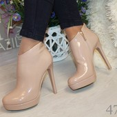Демисезонные лаковые ботиночки на каблуке
