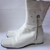 Белые кожаные зимние сапоги на овчине р.39