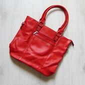 Новая шикарная сумка. Одно большое отделение + 2 кармана на молнии. Достойная фурнитура. Max Mon