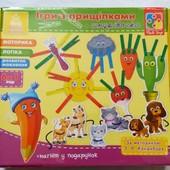 Настольная развивающая игра с прищепками и шнуровкой для малышей от 1 года