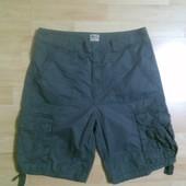 Фирменные шорты  L-XL