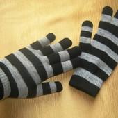 Бронь Теплый и стильный аксессуар - вязаные перчатки в полоску Tchibo, Германия