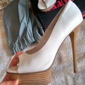 Женские туфли с открытым носком
