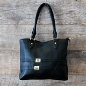 Строгая стильная черная женская сумка из кожзаменителя