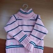 Очень теплый свитер на 1-3 года.