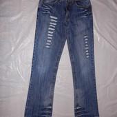 XS-S, модные джинсы рванки со стразами б/у в хорошем состоянии