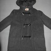 Классное,тёплое,фирменное пальто для девочки 4-6лет.