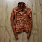 Женская кожаная курточка Bershka размер L