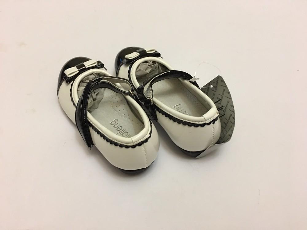 Туфли для девочки белые с черной вставкой фото №7