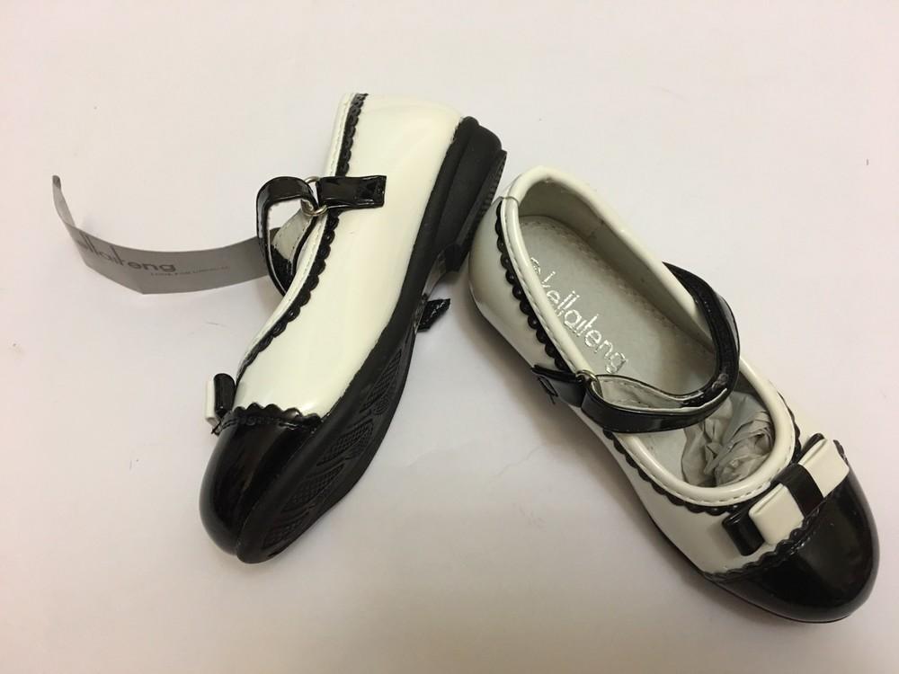 Туфли для девочки белые с черной вставкой фото №8