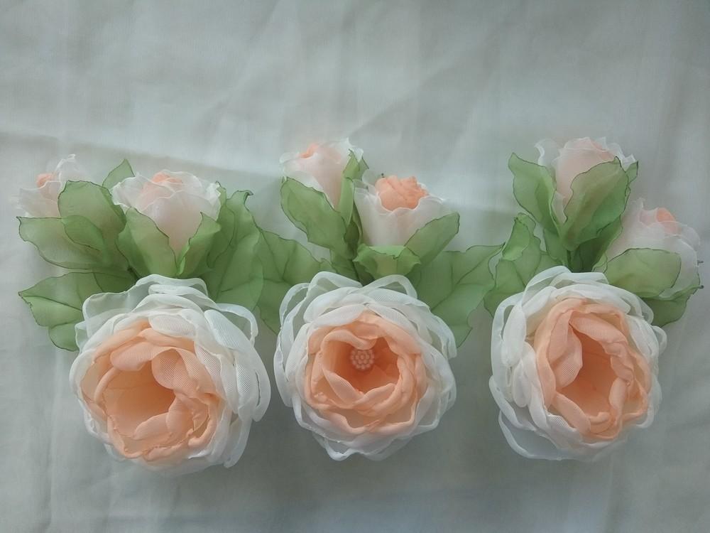 Заколка из шифона ручной работы,  цветы из шифона и атласных лент фото №4