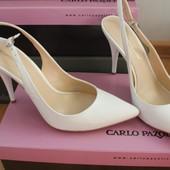 Белые туфли Carlo Pazolini 37р на шпильке