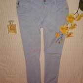 отличные стрейчевые брюки джинсы скинни от Esprit,p.42