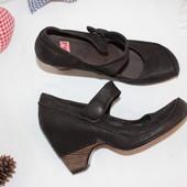 39 25,5см TMJ  Кожаные туфли с пряжкой на танкетке