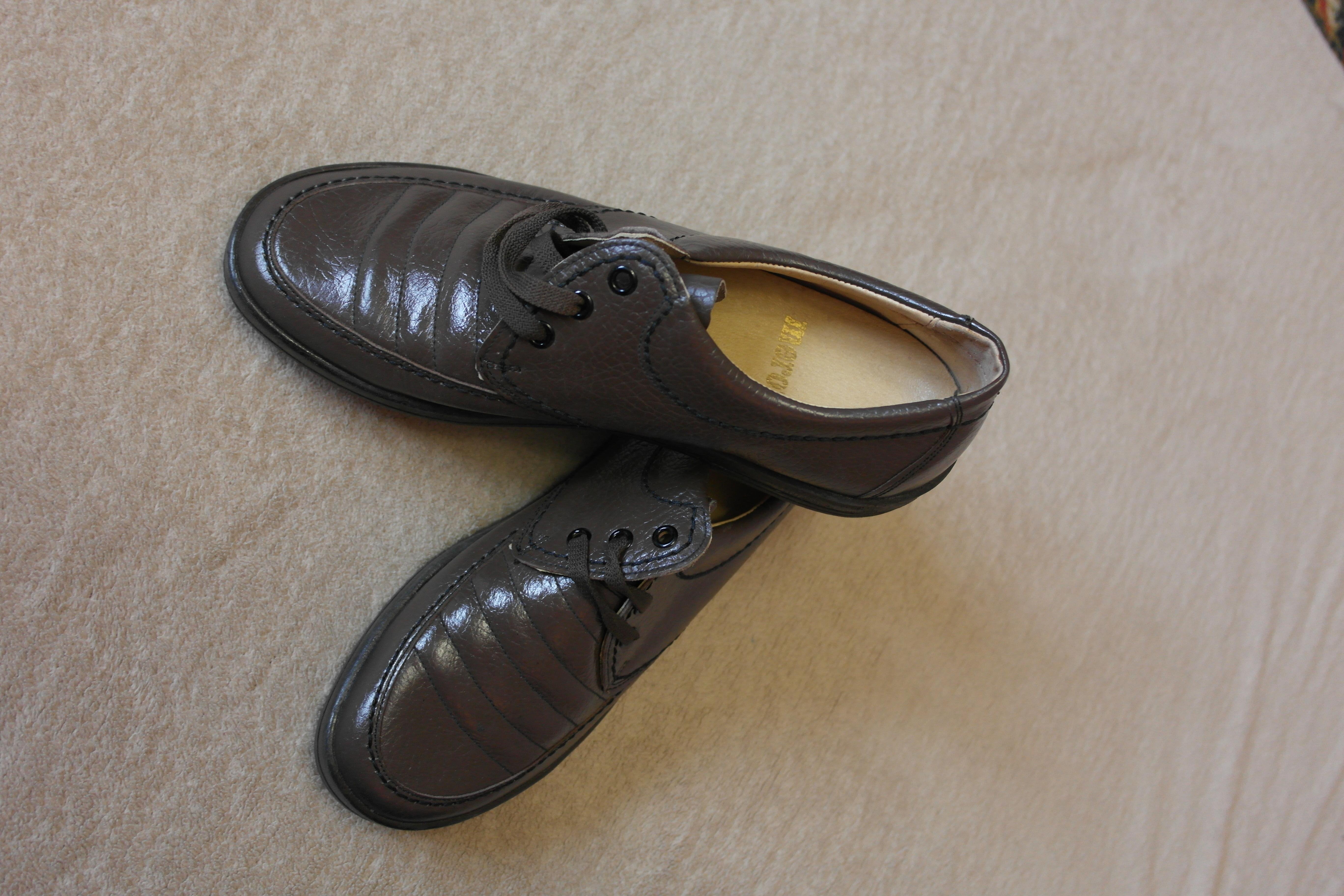 Красивые кожаные  модные туфли из США