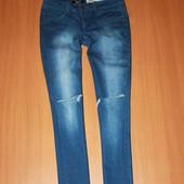 модные джинсы на 13 лет , можно на хс