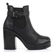 Ботинки черного цвета на высоком каблуке и платформе