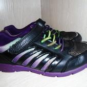 Обалденные кроссовки Clarks в отличном состоянии