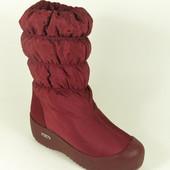 Красные зимние сапоги на резиновой подошве
