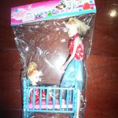 кукла с дочкой и кроваткой