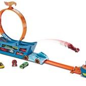 Hot Wheels Трек кольцо на автовозе stunt n´ go track set