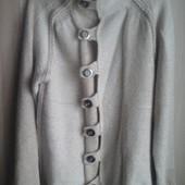 Новый шерстяной свитер отличного качества