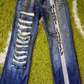 красивые молодежные джинсы