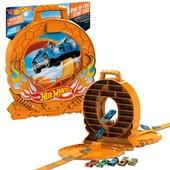 Hot Wheels Кейс на 40 машинок трек с трамплином ring of fire case