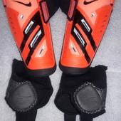Щитки , защита для голени , экипировка футбольная Nike guard lock L