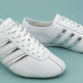 Мужские кроссовки adidas  44, 45р