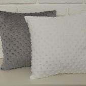 Плюшеві подушки