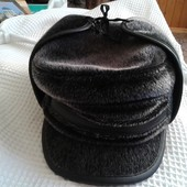 меховая шапка-ушанка,хутряна шапка-вушанка.