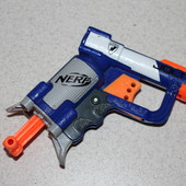 Пистолет Nerf