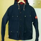Стильная фирменная мужская деми куртка Duffer,размер L.