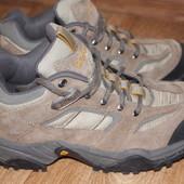 Треккинговые демисезонные ботинки Columbia.40,5р.25,5см.Замша.Оригинал