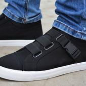 Мужские спортивные туфли кеды на липучках низкие черные