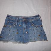 xxs-xs, поб 42-44, юбка джинсовая в заклепках  Parisian