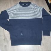 Фирменный свитер р.М в хорошем состоянии