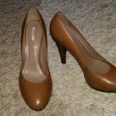 Коричневые кожаные туфли Geox Respira, размер указан 40, длина стельки 26,2 см.