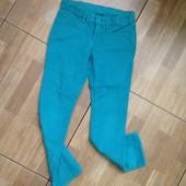Джинсы, шорты, юбки, сарафаны,комбезы,  платья, жилетки для девочки от 3-8 лет.