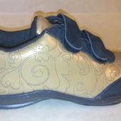 Новые классные кожаные кроссовки 32-35 размеров 4 вида