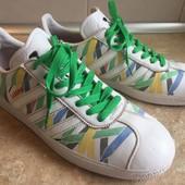 Кроссовки Adidas размер 43,5 по стельке 28,5 см, отл.сост.