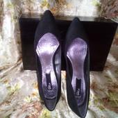 Шикарные, новые туфли!Лодочки на каблучке