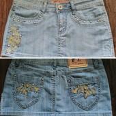 Светлая джинсовая фирменная юбка  Be First (би ферст)