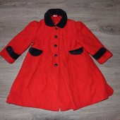 Красное шерстяное пальто на девочку 3-4 года